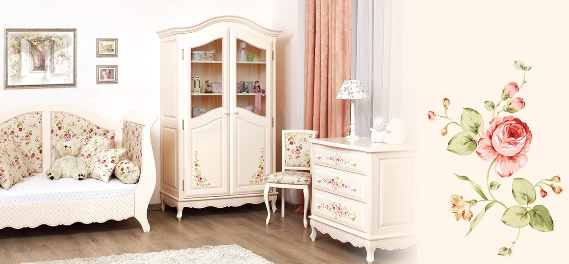 Детский книжный шкаф от Woodright сделан из дерева и украшен ручной росписью