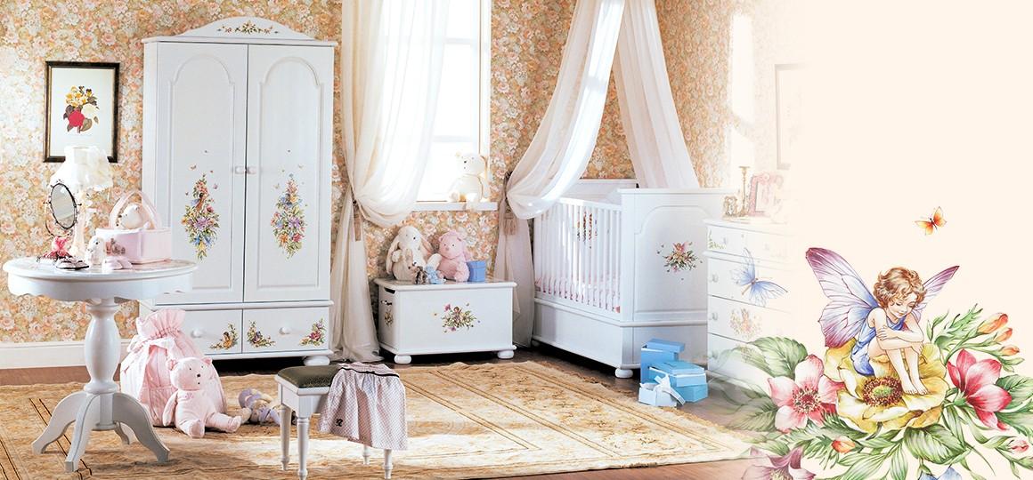 Двустворчатый деревянный шкаф в детскую комнату
