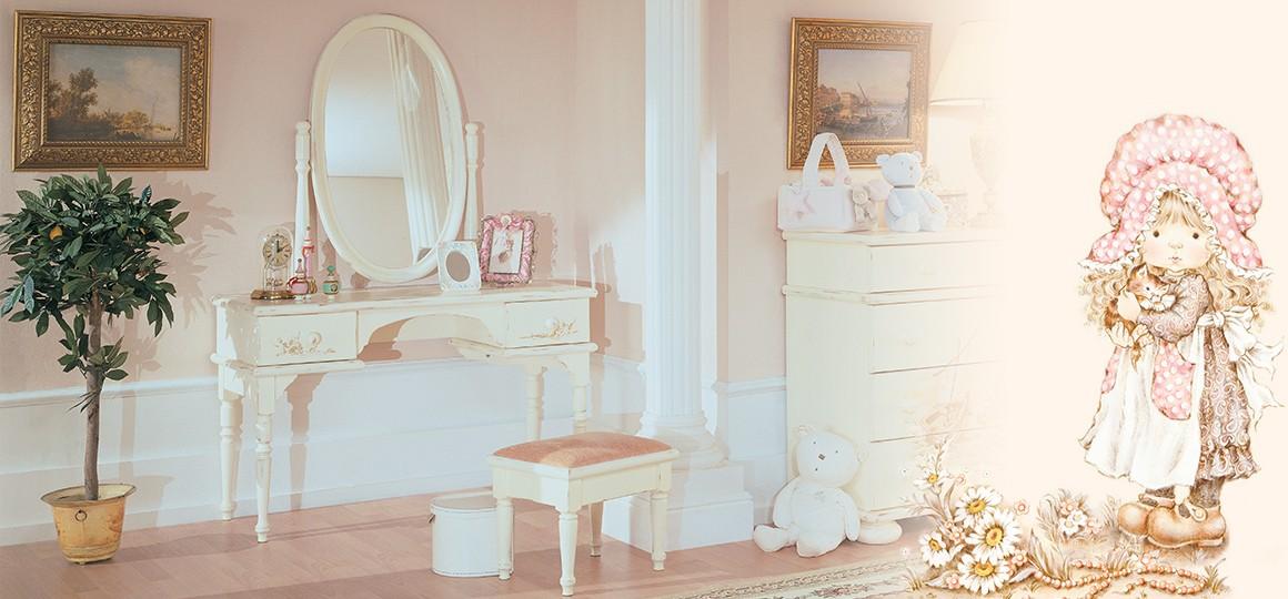 Детский столик с зеркалом с красивой ручной росписью